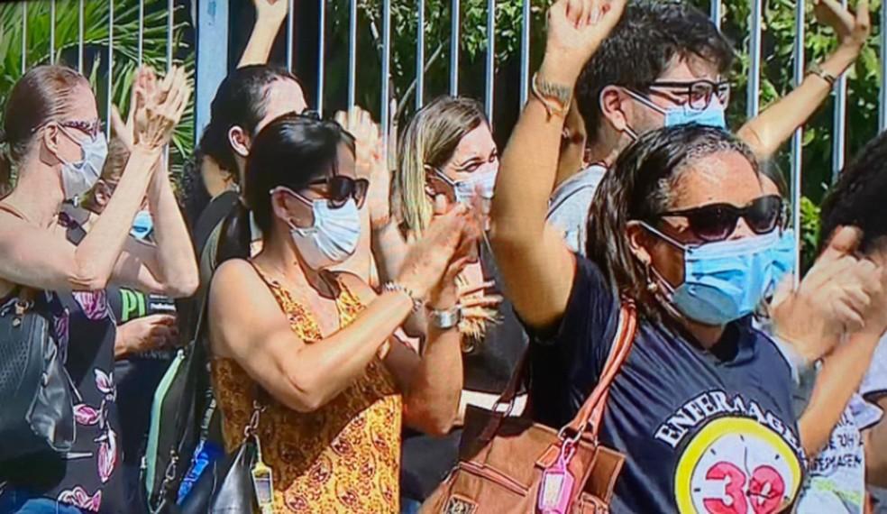 Protesto de trabalhadores da saúde é realizado em Aracaju — Foto: Reprodução TV Sergipe
