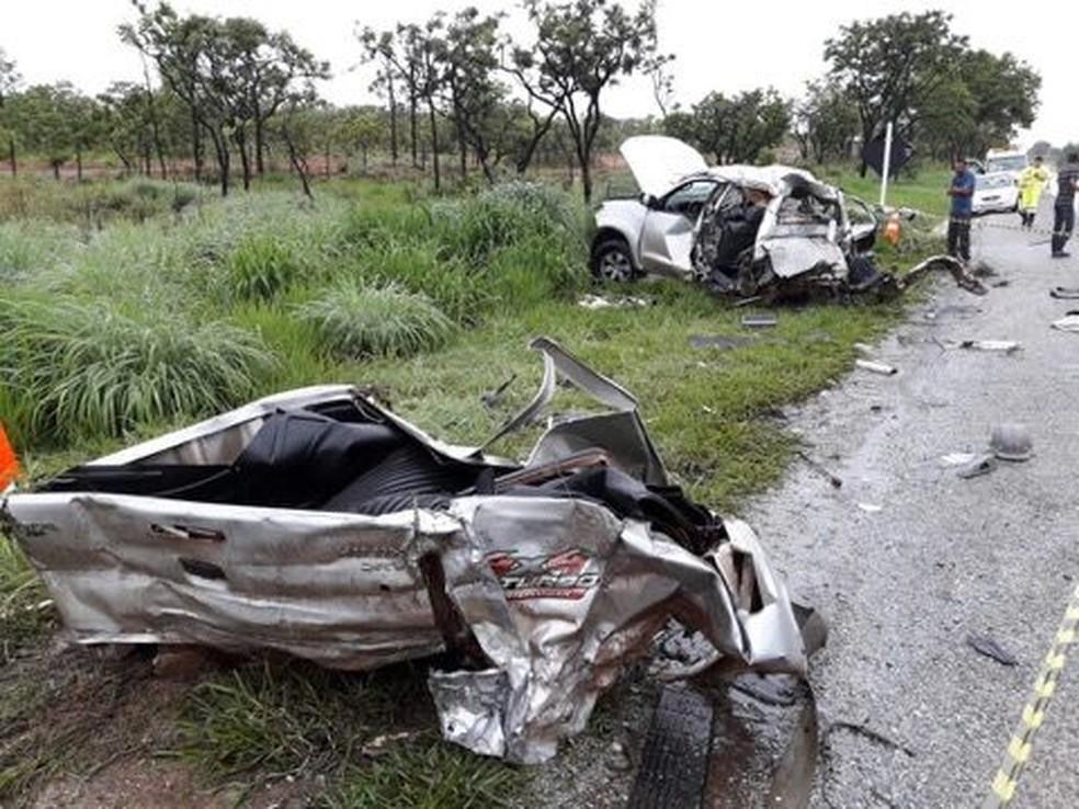 Caminhonete ficou destruída com o impacto do acidente (Foto: João Rodrigues/Arquivo Pessoal)
