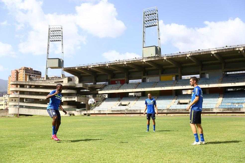 Grêmio treinou no Estádio Brígido Iriarte, em Caracas — Foto: Lucas Uebel / Grêmio FBPA
