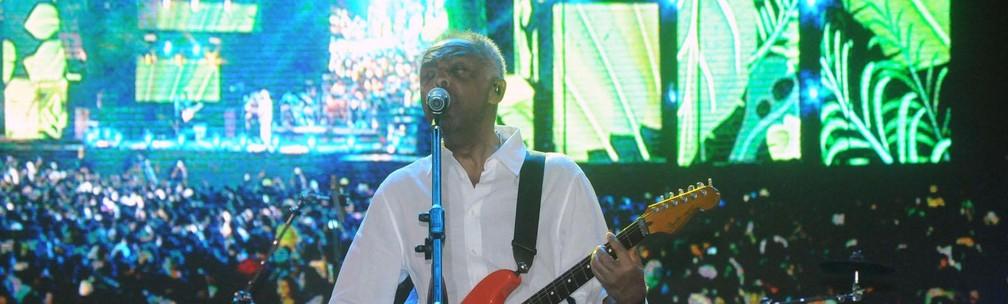 Gilberto Gil na primeira noite do Festival da Virada, na orla da Boca do Rio, em Salvador (Foto: Jefferson Peixoto/Secom)