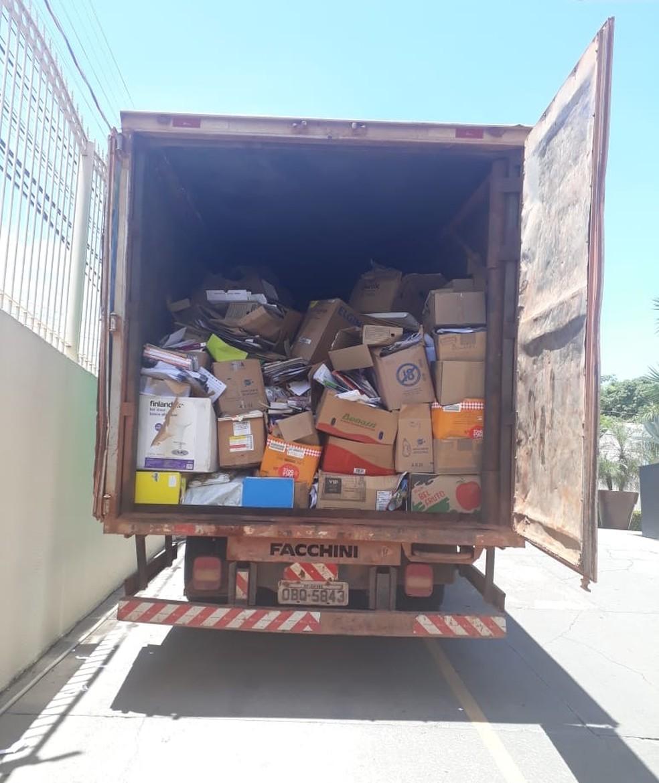 O ponto de coleta que mais arrecadou foi o da CDL Cuiabá com cerca de 5 toneladas de papel e papelão — Foto: Arquivo Pessoal