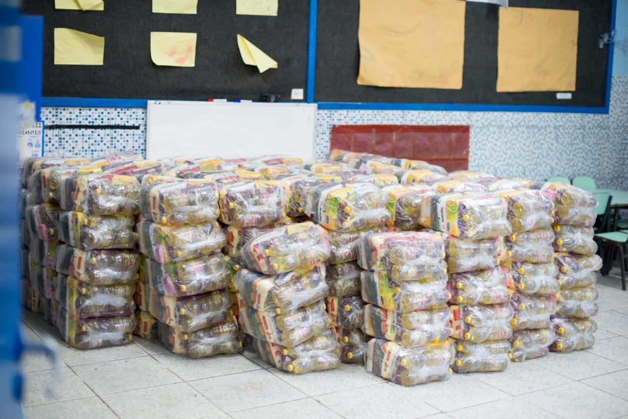 Volta Redonda retoma distribuição de kits alimentação a alunos da rede municipal
