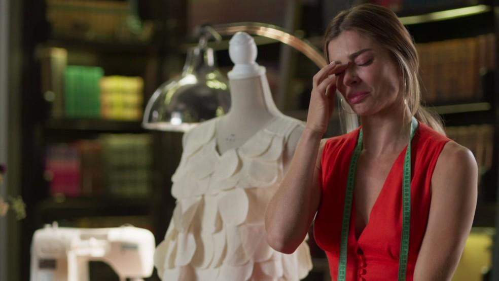 Paloma (Grazi Massafera) desabafa em 'Bom Sucesso' — Foto: TV Globo