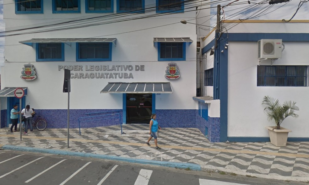 Câmara de Caraguatatuba quer ampliar de 15 para 17 o número de vereadores — Foto: Google Street View/Reprodução