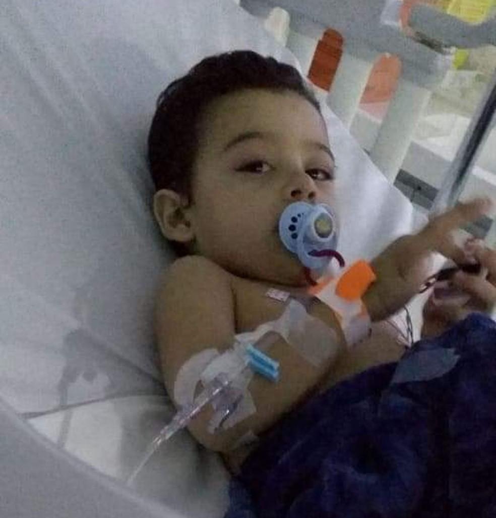 Nicollas precisou ficar internado por 13 dias devido a complicações de saúde — Foto: Elizeu Junior/Arquivo Pessoal