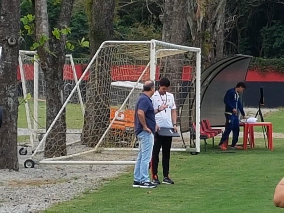 Noval defende permanência de Barbieri, mas há pressão por mudanças imediatas no comando técnico  — Foto: Marcelo Baltar