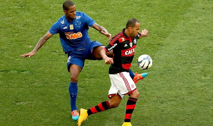 EXCLUSIVO: Flamengo busca reforçar a defesa e quer empréstimo de Dedé