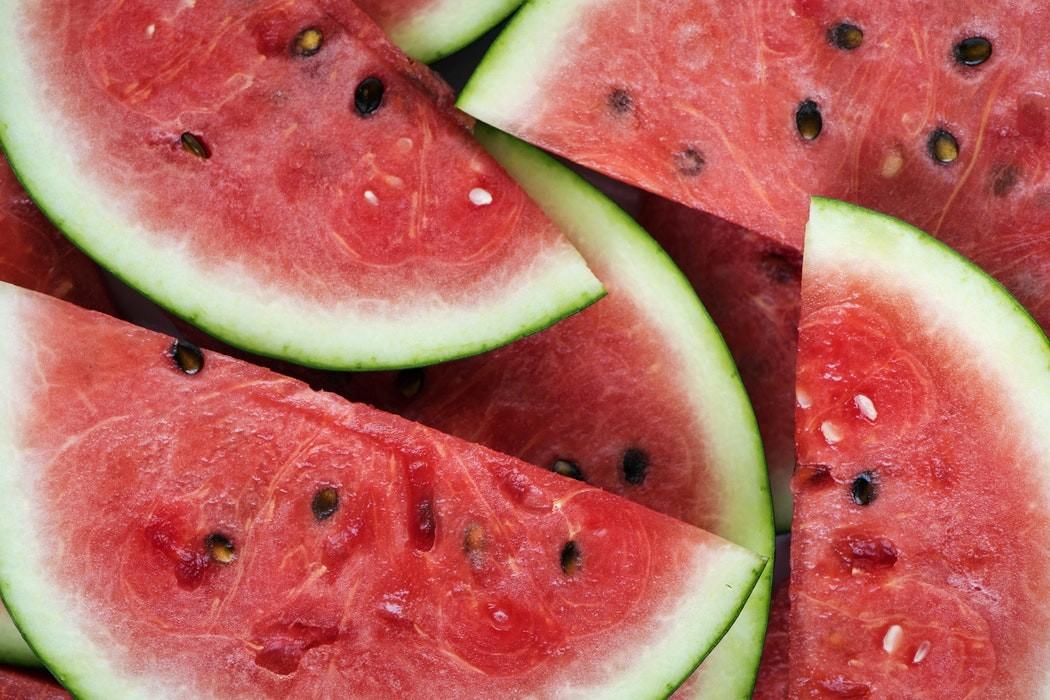 Cocada de melancia: nutricionista em Uberlândia ensina receita; veja vídeo