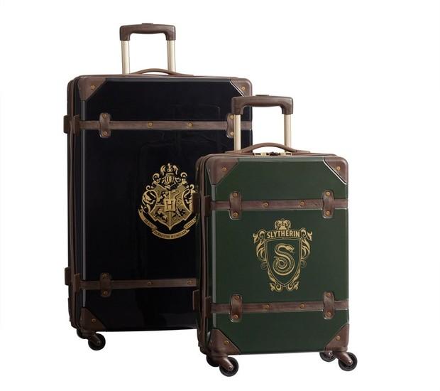 Sinta-se um estudante viajando para as escolas de bruxaria com essas malas (Foto: Pottery Barn/ Reprodução)