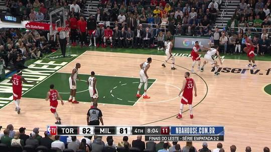 Kawhi Leonard brilha, Raptors vencem os Bucks, abrem 3 a 2 na série e ficam a uma vitória da final
