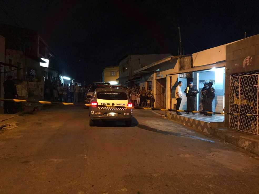 Policial reformado foi morto dentro de uma padaria na Zona Oeste de Natal (Foto: Clayton Carvalho/Inter TV Cabugi)