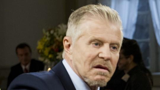 Em 'Pé na Cova', Ruço pode ir preso após denúncia por fraude no último episódio da temporada