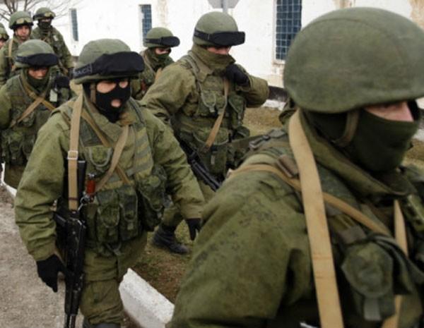 Soldados na Ucrânia (Foto: AP)