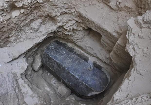 Maior urna funerária encontrada em Alexandria, intocada há 2 mil anos (Foto: Divulgação/Ministério de Antiguidades do Egito)