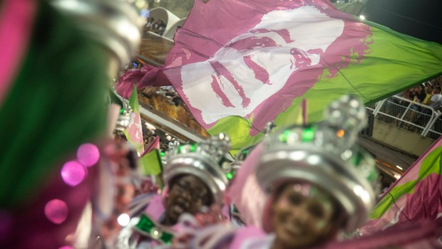 Desfile da Mangueira, campeã Carnaval do RJ 2019, homenageou  Marielle Franco (Foto: GETTY IMAGES)