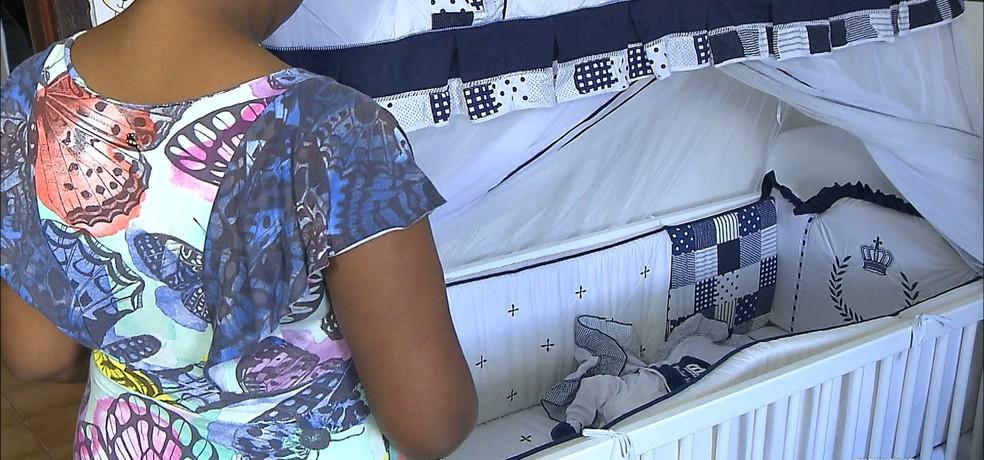 Criança de 11 anos vítima de estupro e bebê foram liberados do hospital e voltaram para casa de acolhida em João Pessoa (Foto: Reprodução/TV Cabo Branco)
