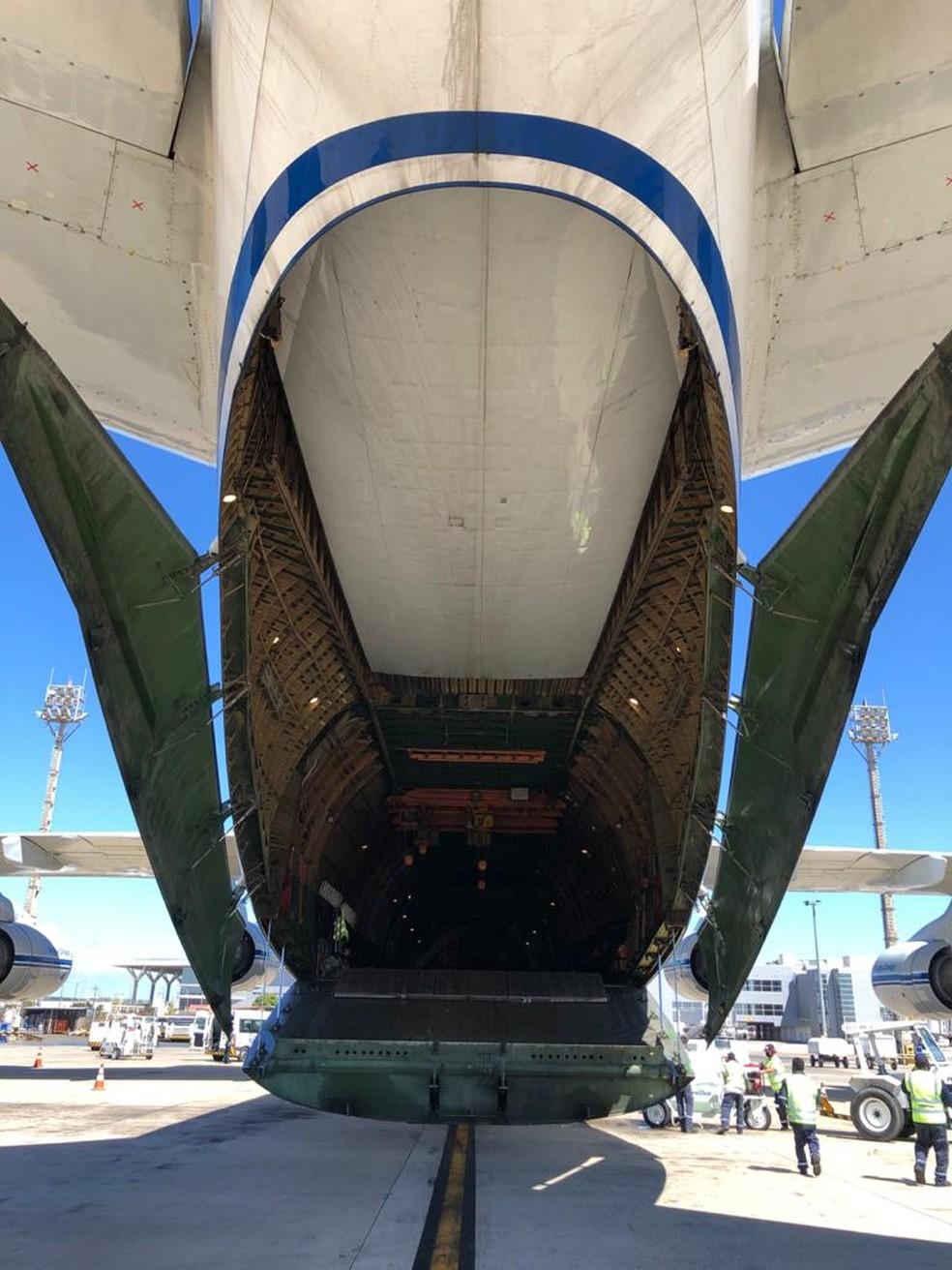 Antonov que pousou no Aeroporto de Viracopos é o segundo maior cargueiro civil do mundo — Foto: André Gasperi