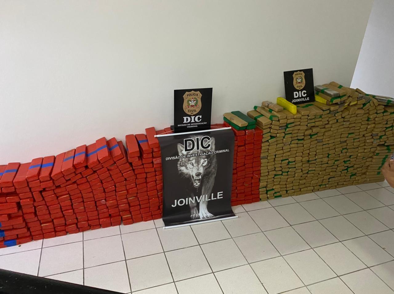 Cerca de uma tonelada de drogas é apreendida em Joinville