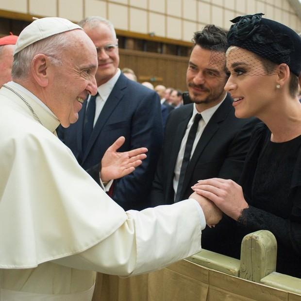 Papa Francisco encontra Katy Perry e  Orlando Bloom no Vaticano (Foto: Reprodução / Instagram)