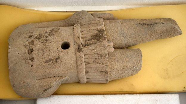 Detalhe da escultura da divindade (Foto: Divulgação/INAH)