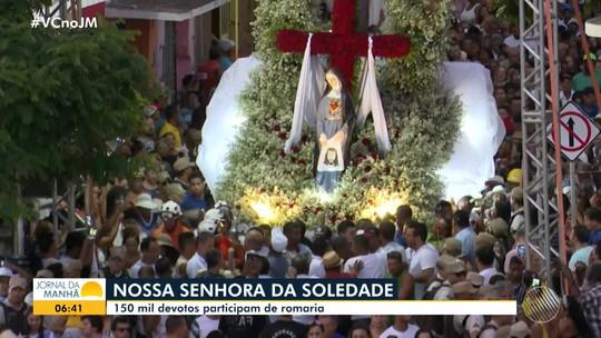 Romaria atrai milhares de visitantes para Bom Jesus da Lapa, no oeste do estado