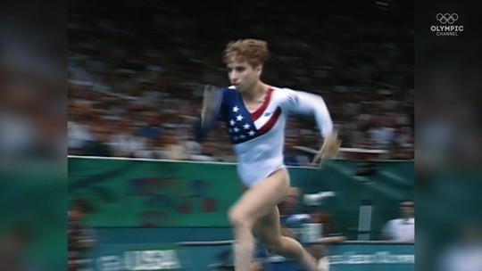 Dor e glória: relembre salto de ginasta com ligamentos rompidos que deu  ouro inédito aos EUA