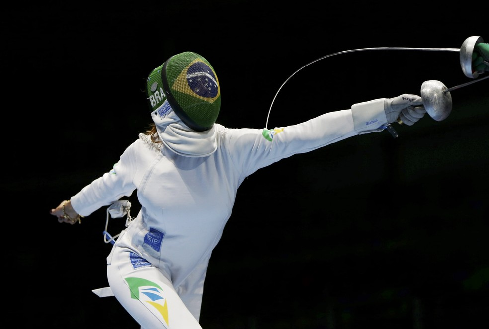 Nathalie Moellhausen compete na esgrima pelo Brasil â?? Foto: REUTERS