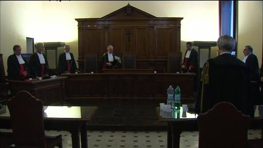 Tribunal do Vaticano condena ex-diplomata da Santa Sé a prisão