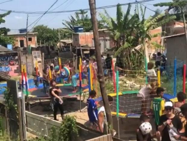 Luana mostra o trabalho social feito no Jardim Gramacho, em Duque de Caxias (Foto: Reprodução/Instagram)