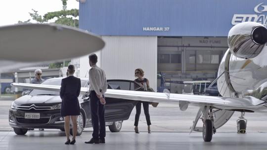 Teaser: no aeroporto, Athaíde e Lígia se preparam para fugir