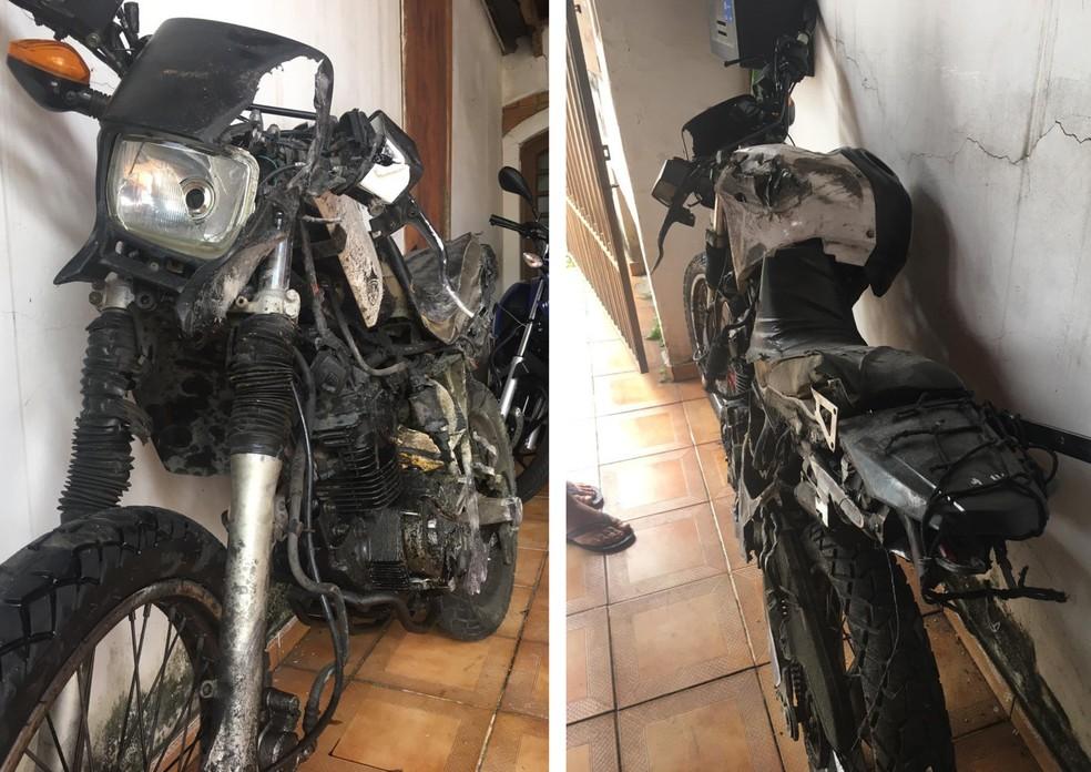 Registro da moto, após ter sido arrastada por quase 1 km — Foto: Arquivo pessoal