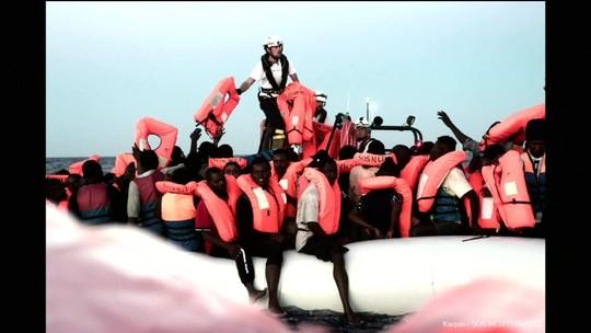 Itália fecha seus portos a imigrantes