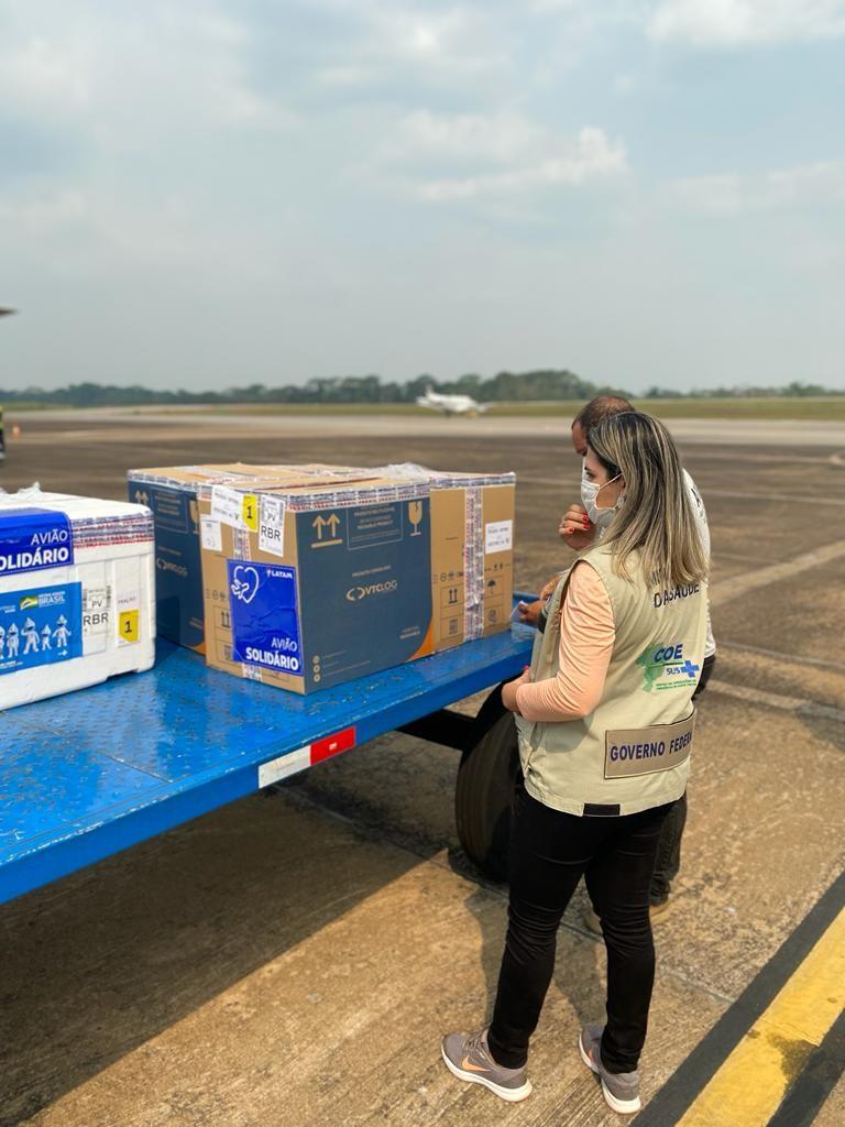 Covid-19: Saúde do Acre recebe carga com mais de 27 mil doses de vacinas para reforçar imunização