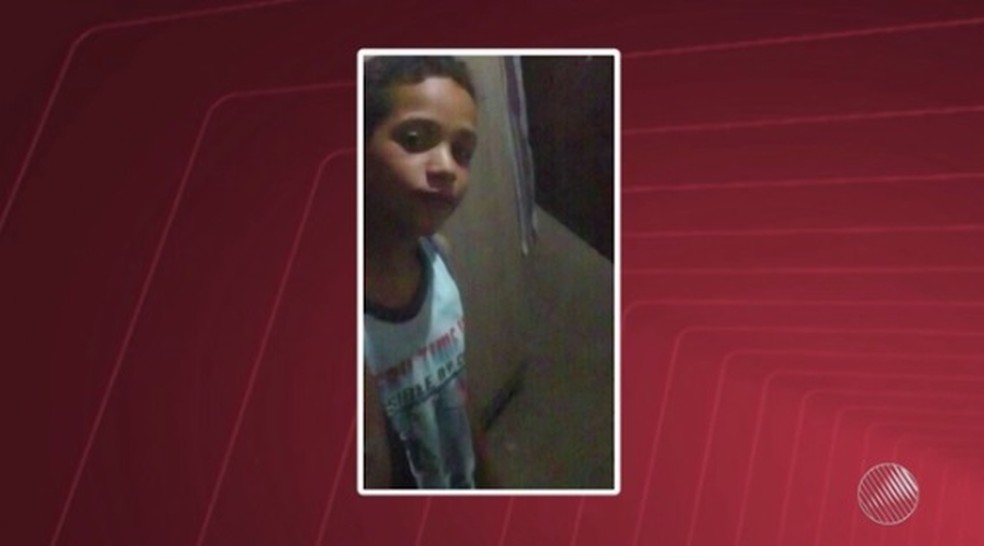 Tiago tinha 9 anos e foi atropelado por ônibus escolar na Bahia (Foto: Reprodução/ TV Subaé)