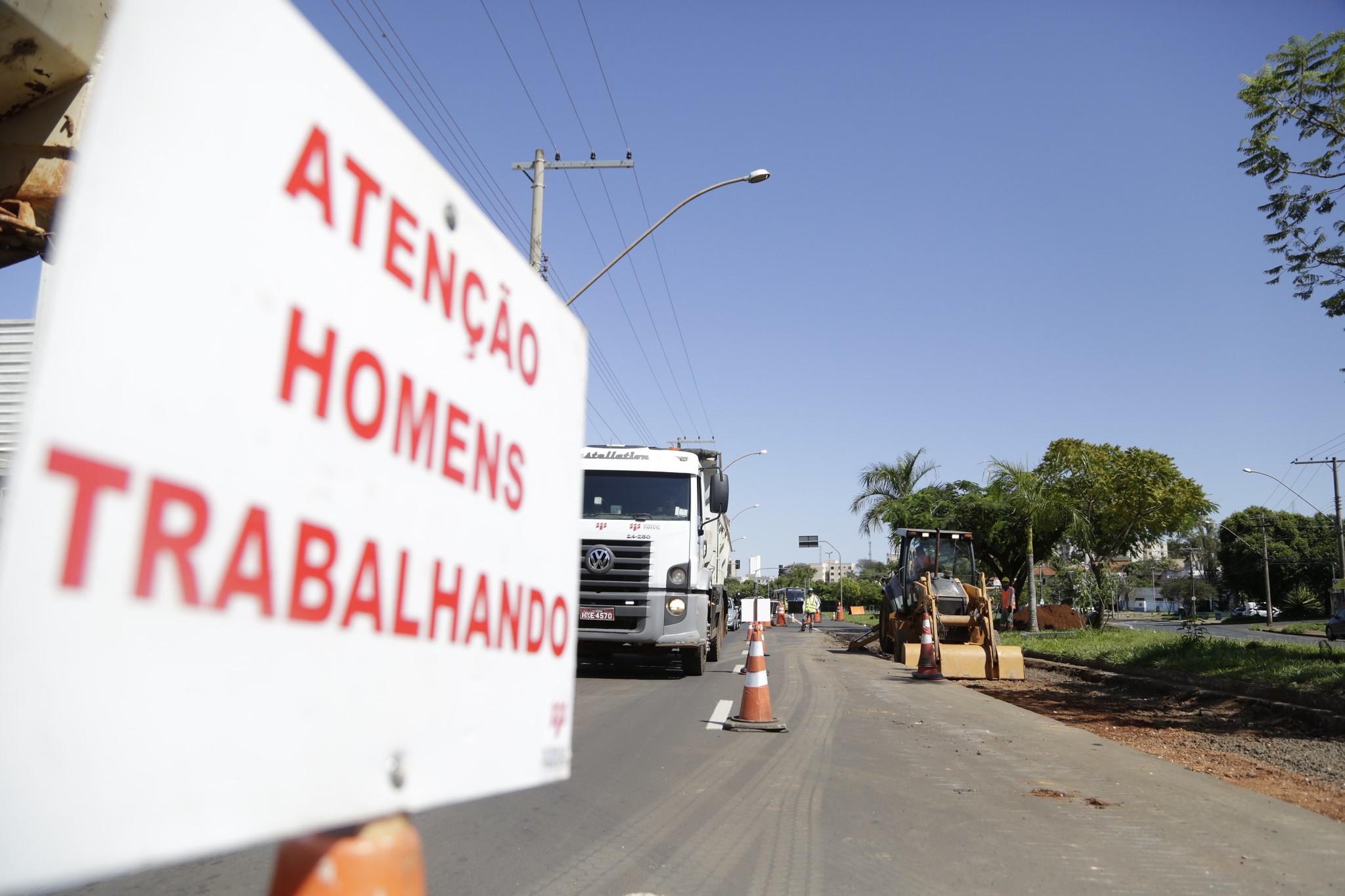 Trecho da Leopoldino de Oliveira em Uberaba será interditado para reestruturação do asfalto do corredor BRT
