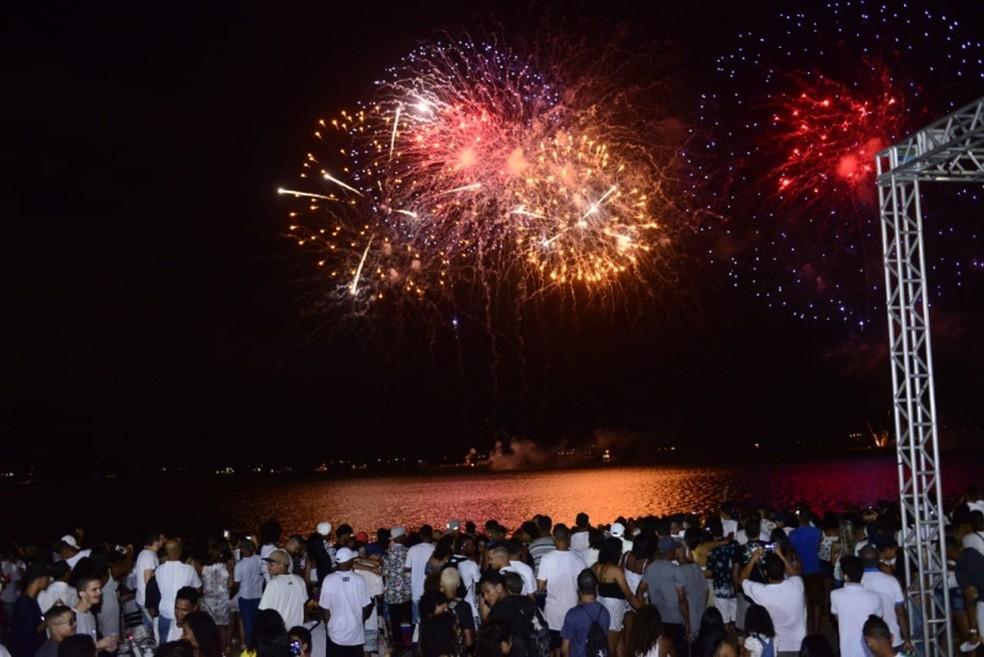 Queima de fogos na praia de Camburi vai durar 17 minutos na virada de ano em Vitória — Foto: Flávio Almeida/ Prefeitura de Vitória