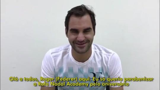Federer e Nadal brincam em vídeo de aniversário da Academia Rafael Nadal