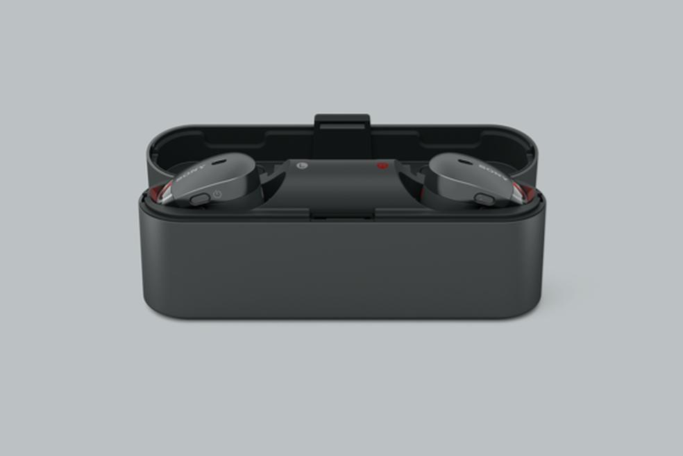 Sony WF-1000X: 9 horas de bateria e case carregadora (Foto: Divulgação/Sony)