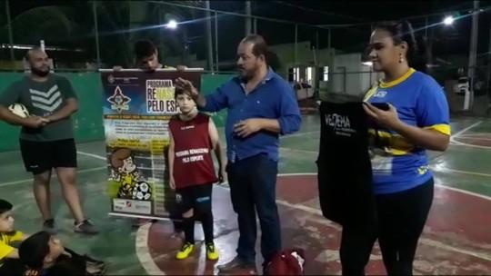 Escolinha de futebol GC93 recebe doação do presidente do Genus