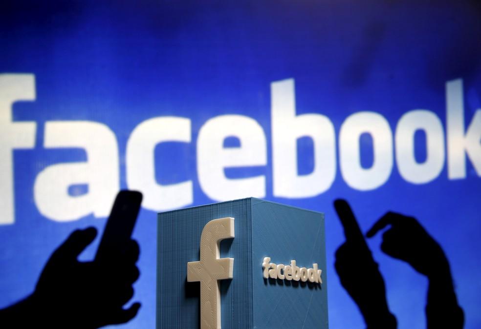 Ilustração em 3D do logotipo do Facebook. (Foto: Dado Ruvic/Reuters)