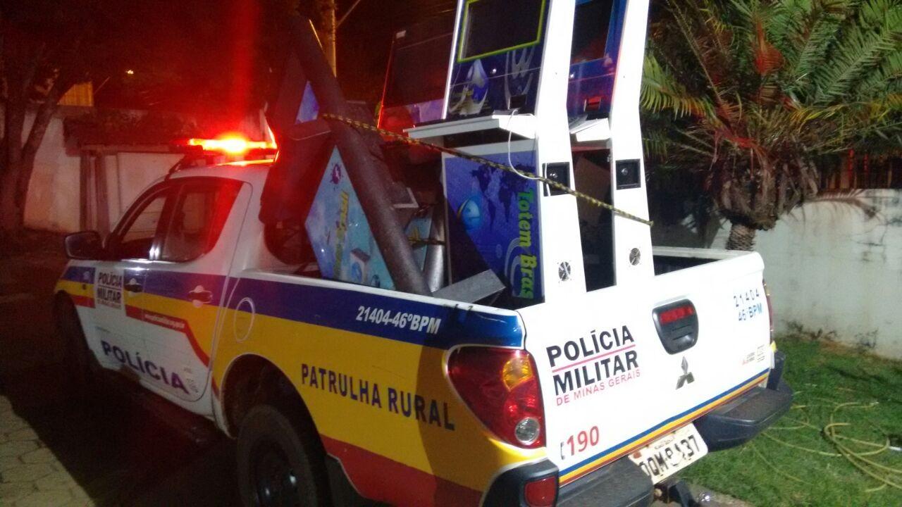 Polícia fiscaliza bares e apreende equipamentos de jogo de azar em Patrocínio