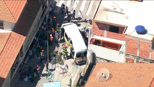 Van escolar envolvida em acidente com caminhão em SP estava parada de forma 'incorreta', diz BO