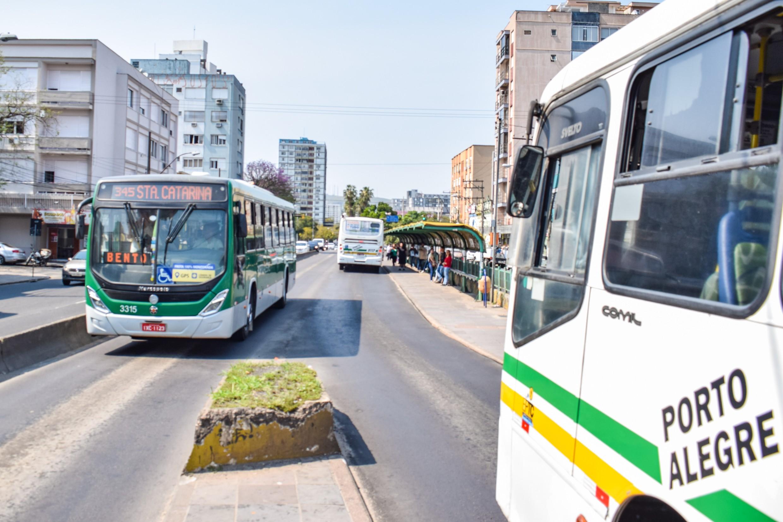 Transporte coletivo tem aumento no número de viagens em Porto Alegre; veja linhas com mudanças