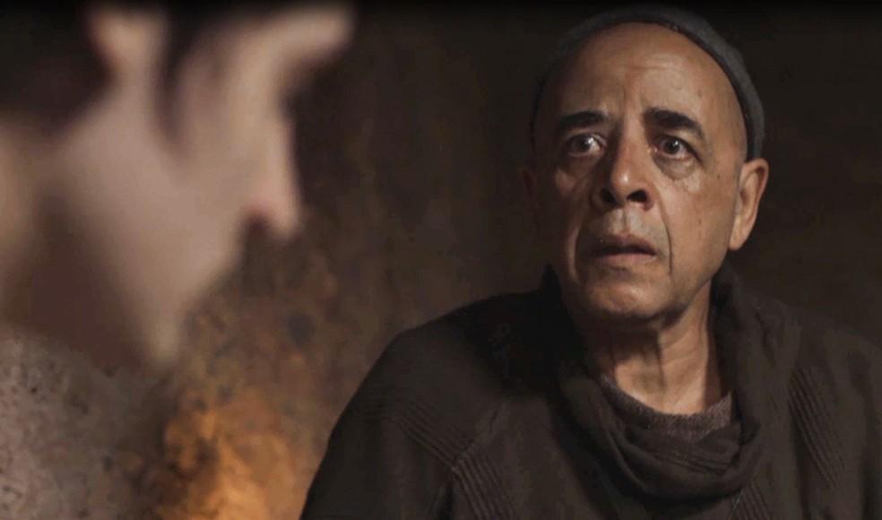Lupércio garante que Saulo está com a peste! (Foto: TVGLOBO)