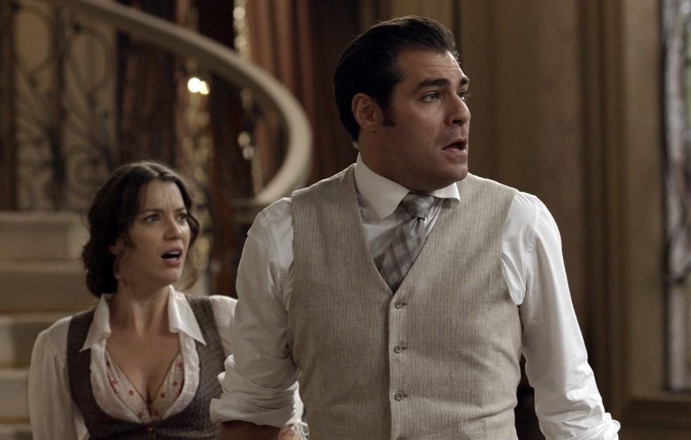 Darcy e Elisabeta ficam chocados com a atitude da menina! ? (Foto: TV Globo)