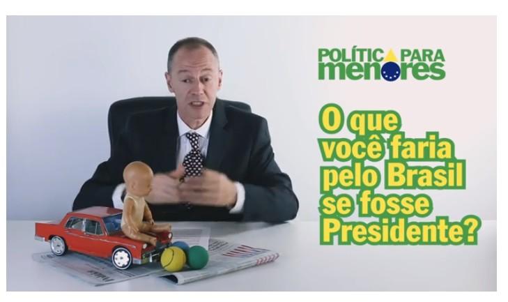 """Canal no YouTube """"Política para Menores"""" ensina sobre o assunto de maneira leve e com bom humor (Foto: Reprodução Youtube)"""