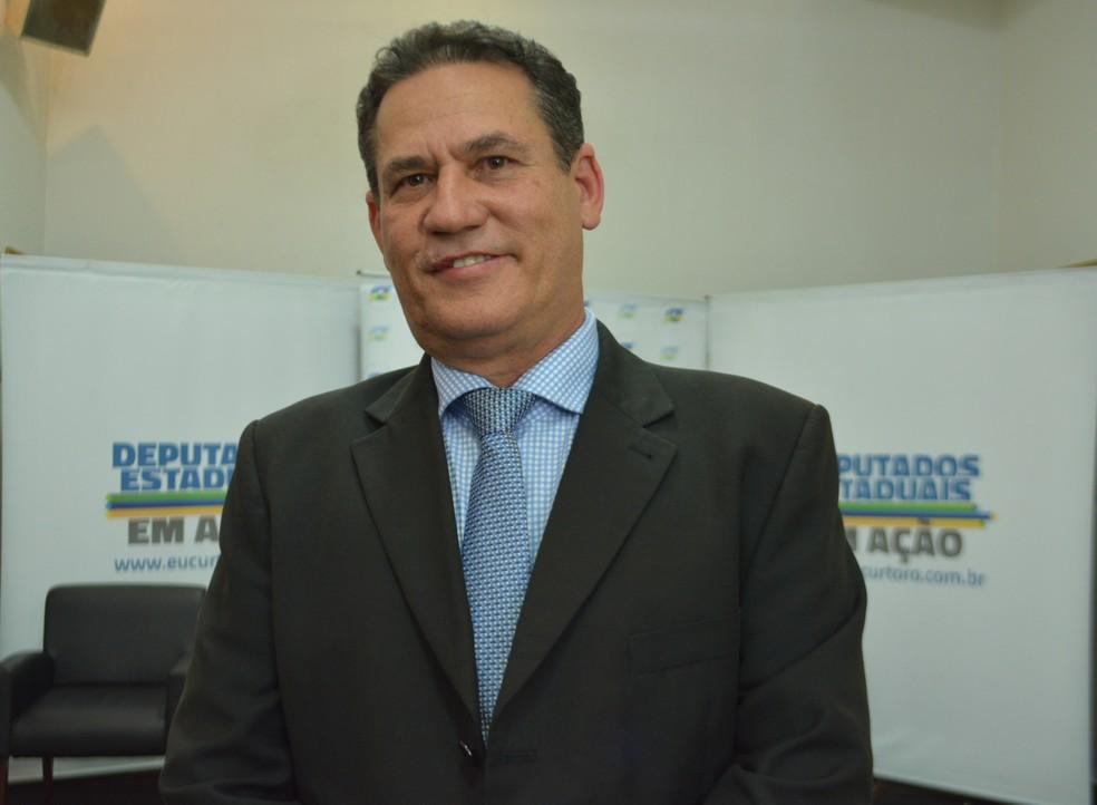 Presidente da ALE-RO, Maurão de Carvalho, ressalta que atitude deveria ser copiada por outros poderes e também assembleias do país (Foto: Jheniffer Núbia / G1)