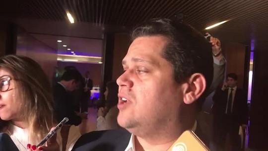 Alcolumbre diz que governo 'não tem base' para aprovar privatização da Eletrobras