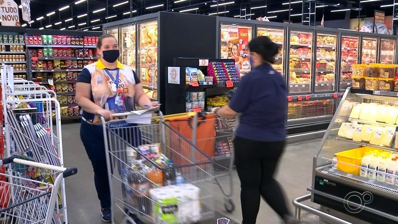 Lojas aumentam quadro de funcionários para atender demanda de entregas em casa