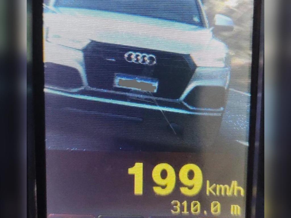 Carro é flagrado a quase 200 km/h, em Cafezal do Sul